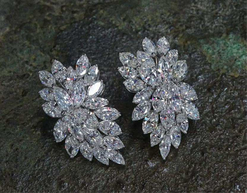 VCA Style 5.95ct Diamond Earrings